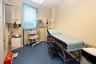 The Examination Room is fully equiped the latest blood pressure measuring equipment, has modern radiological imaging screens and piped Medicinal Oxygen. It also offers E.C.G., Vitallography, rigid Sigmoidoscopy and proctoscopy facilities.